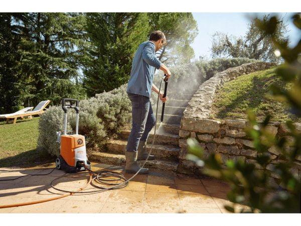 Uređaj za pranje pod visokim pritiskom RE 110